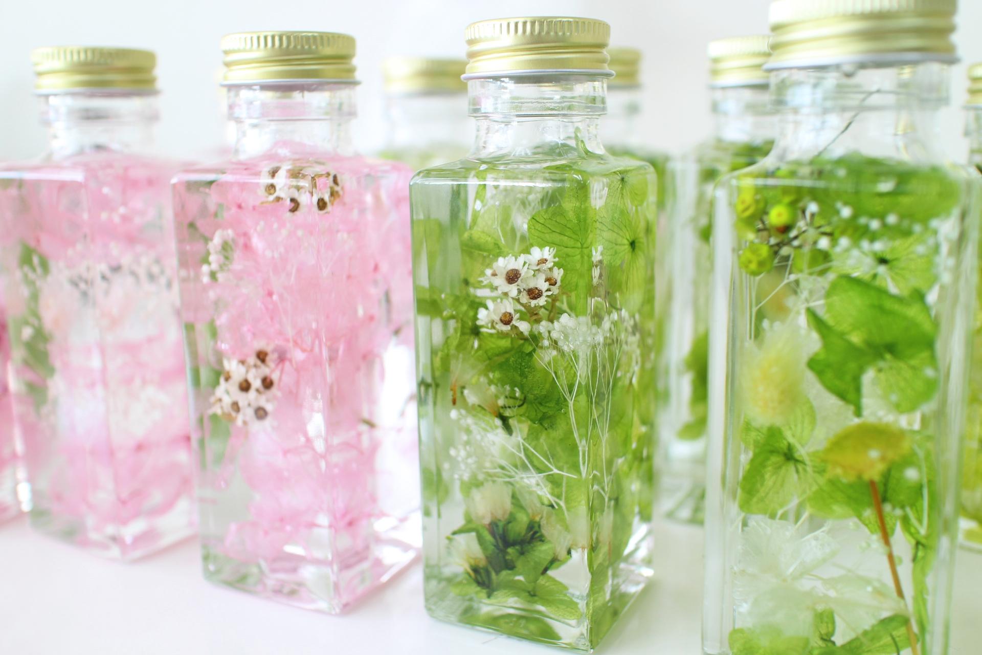 ドライフラワーのバラを瓶詰めで作る方法とおしゃれな飾り方